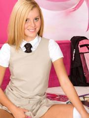 Blonde coed Jessie Rogers strips for you after class