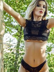 """Alice Kulip teases you in """"Alice in Sexyland"""""""