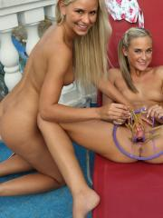 Hot teens Lola and Vinna have some fun in the back yard