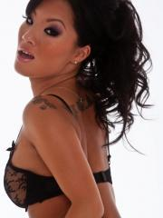 Pictures of sexy Asa Akira stripping off her black lingerie