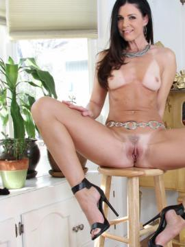 Beautiful babe India Summer takes a cock inside of her tight asshole