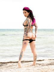 Joanna Angel exposes her sexy ass on the beach