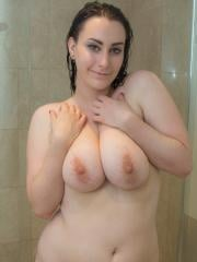 Curvy brunette Chloe Jenks wants to take a shower with you