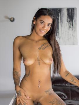 Jameika Turner strips nude at the table