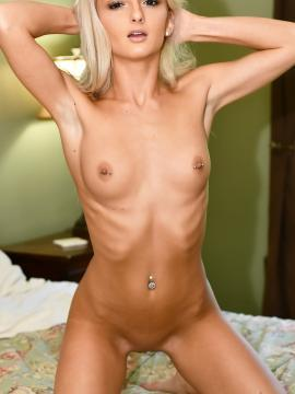 kristy-kern blonde nude pierced-belly small-tits