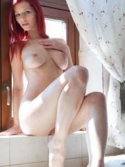 Redhead babe Ariel A wants to take a bath with you