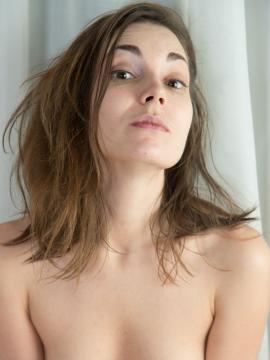 Mila H Poses Fully Nude