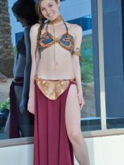 Hot coed Eva does the best Princess Leia cosplay ever
