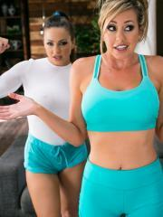 Brett Rossi, Abigail Mac and Lyra Louvel go down on each other on the floor
