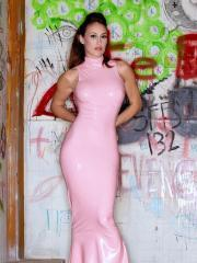 """Busty babe Ryan Keely masturbates for you in """"The Graffitti Room"""""""