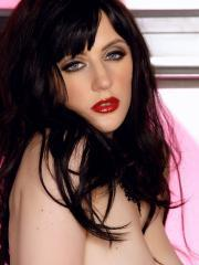 Pictures of Samantha Bentley showing you her pink pussy