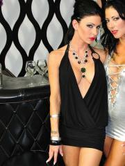 Jessica Jaymes gets her lesbian fix from Zoey Holloway