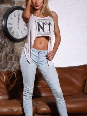 Jessy Ruth in her cute top and tight denim jeans getting naked