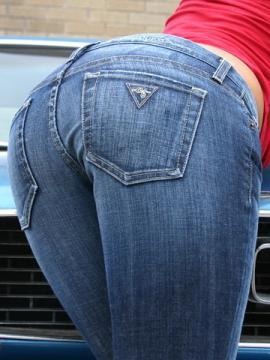 Kaley Kennedy slides down her jeans to show her sexy thong