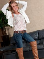 Blonde hottie Madden teases in her sexy jeans and boots
