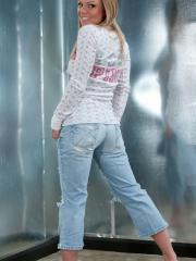 Blonde babe Madden strips in jeans and a tee