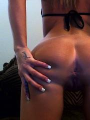 Pictures of Melissa Matters fingering her pussy while you watch