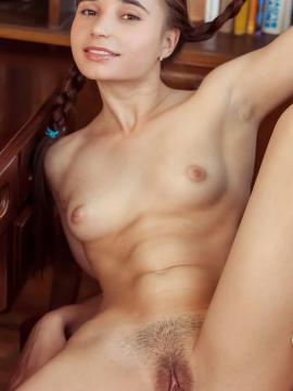 Seductive naked indian girl
