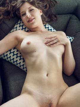 """Satin Stone gets naked in """"Selna"""""""