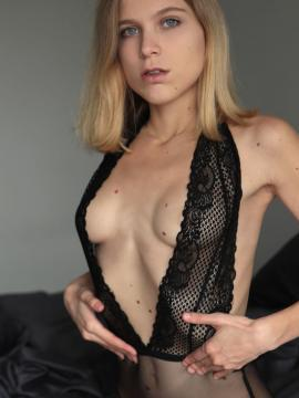 blonde nora-pace