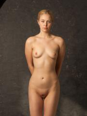 Blonde art model Mae does her thing in the studio