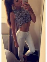 Hot amateur babes show off their tight bodies in selfies