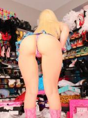 "Hot blonde model Sexy Pattycake shows off her messy room in ""Spoiled Brat"""