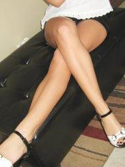 Pictures of Raven Riley trying on some new shoes