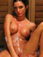 Brunette girl Salina Ford wants to take a hot bath with you