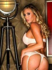 Gorgeous hottie Samantha Saint gives you a striptease in her sex lingerie