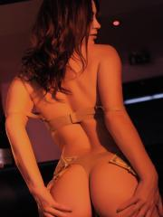Summer St Claire gives you a sexy striptease at the club