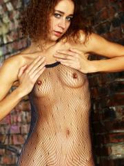 Teen hottie Inna R rips off her clothes and invites you to join her