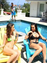 Lisa Ann and Belle Knox team up to fuck the pool guy