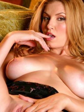 Jamie Lynn playing with her soft big tits