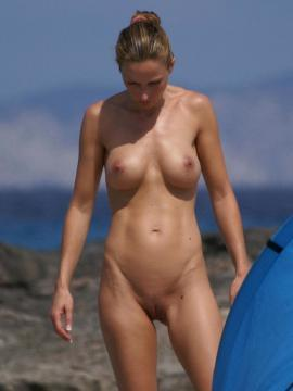 Collection of hot GFs going nude at the beach