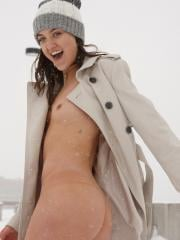 "Laina Shendoah flashes her hot body in the ""Denver Chills II"""